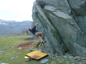 Giving the new Arc'teryx Spotter Pants a chilly testing - my fingers warmed up eventually!