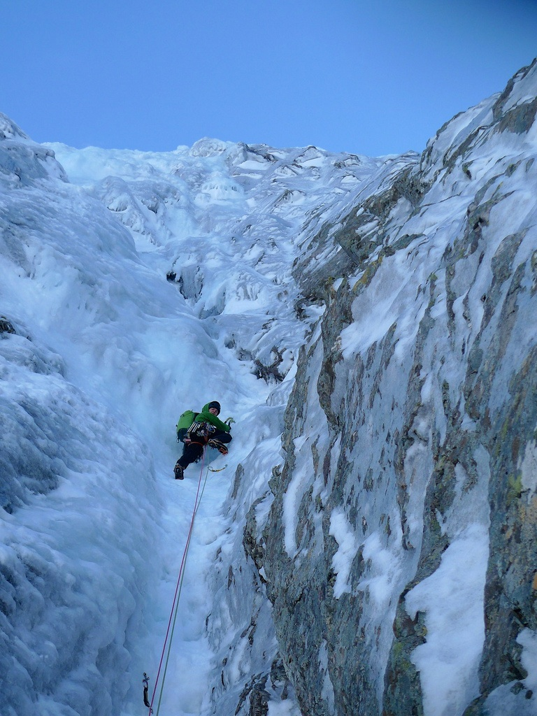 The Patagonia Cap 4 Expedition Weight Baselayer is perfect for activities such as ice climbing.