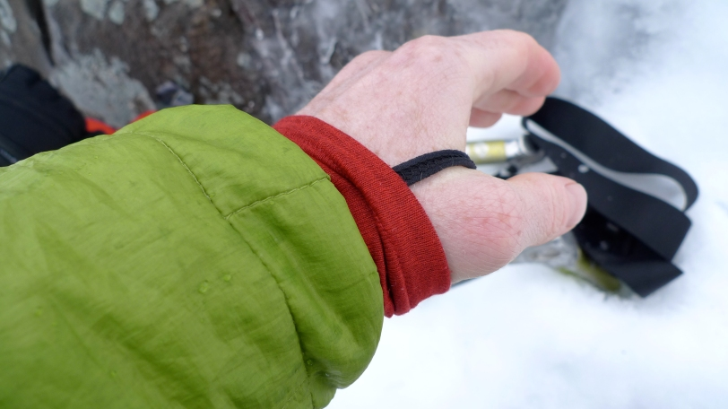 Discreet but very effective thumb loops on the Patagonia Cap 4 Expedition weight Zip Neck Baselayer