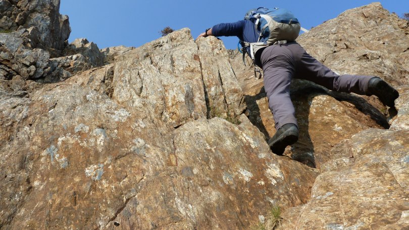 A secure grip for scrambling and steep ground.