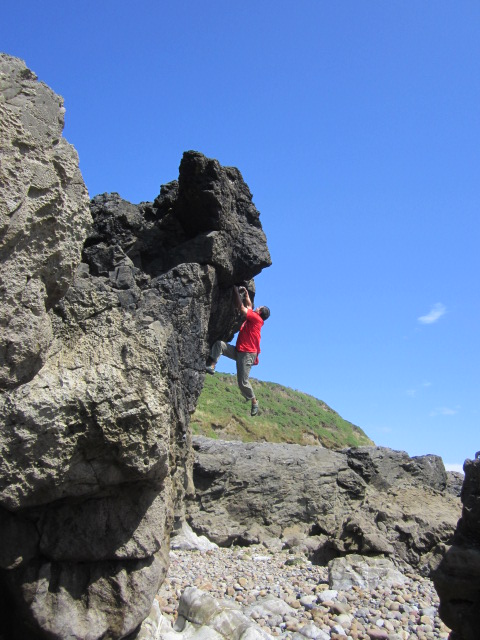 A superb cut for full freedom of movement. Bouldering in The Gower.