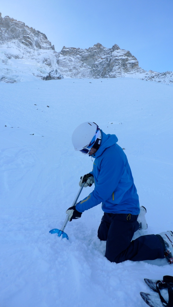 The anodised aluminium blade on the Mammut Alugator Shovel coped well with hard snow.