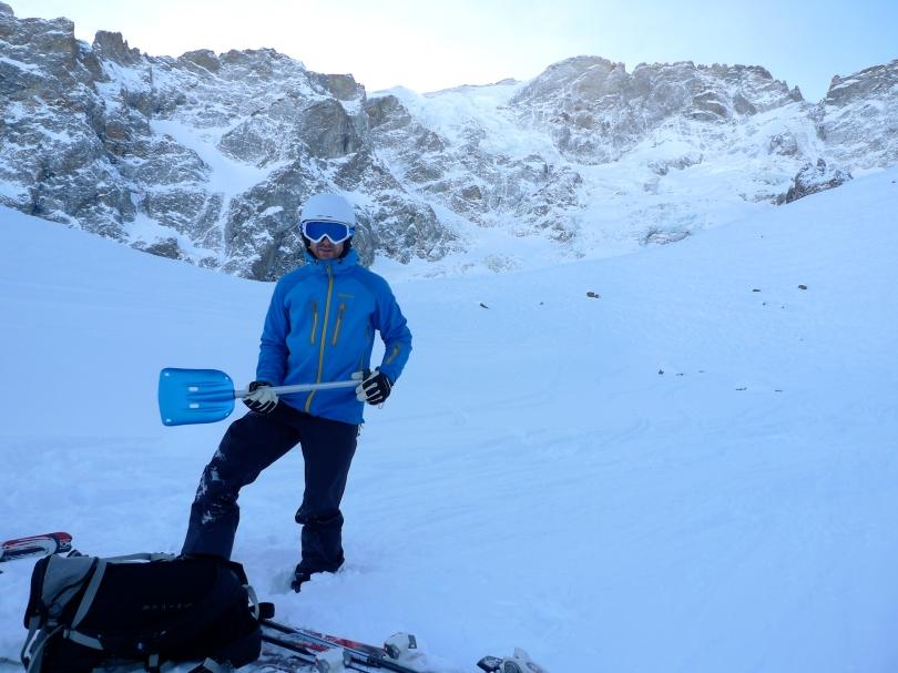 James Parkinson with the Mammut Alugator Shovel in the off piste ski heaven of the Vallons De La Meije, La Grave, France.
