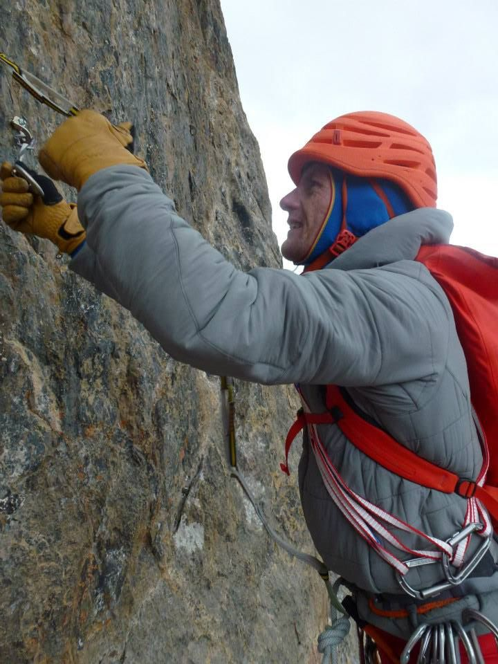 Patagonia Nano-Air Hoody: the stretchiness of the whole thing gave great freedom of movement.