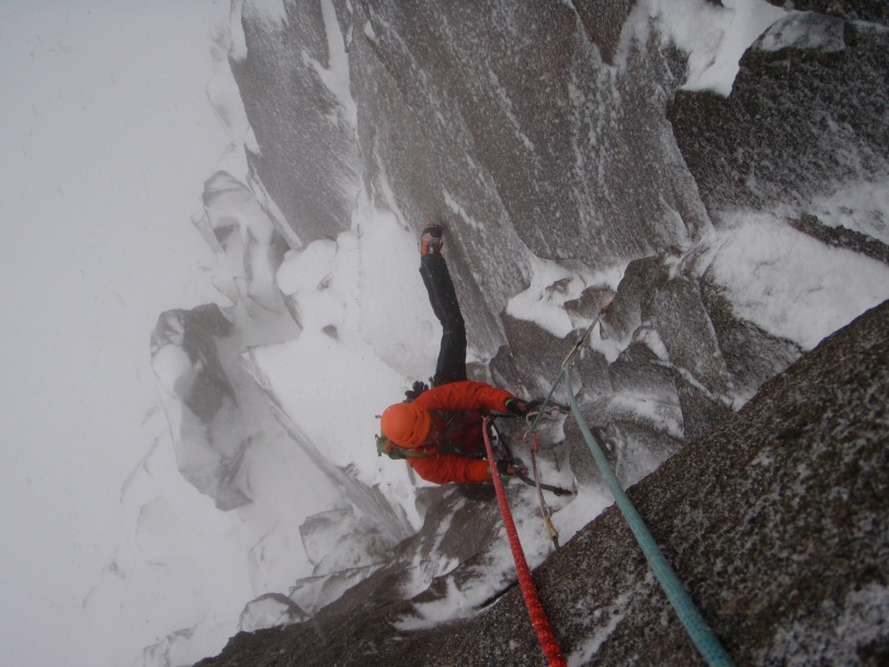The DMM Switch are a great tool for hard mixed climbing. Here on pitch 2 of Soul Vacation, VIII 8.