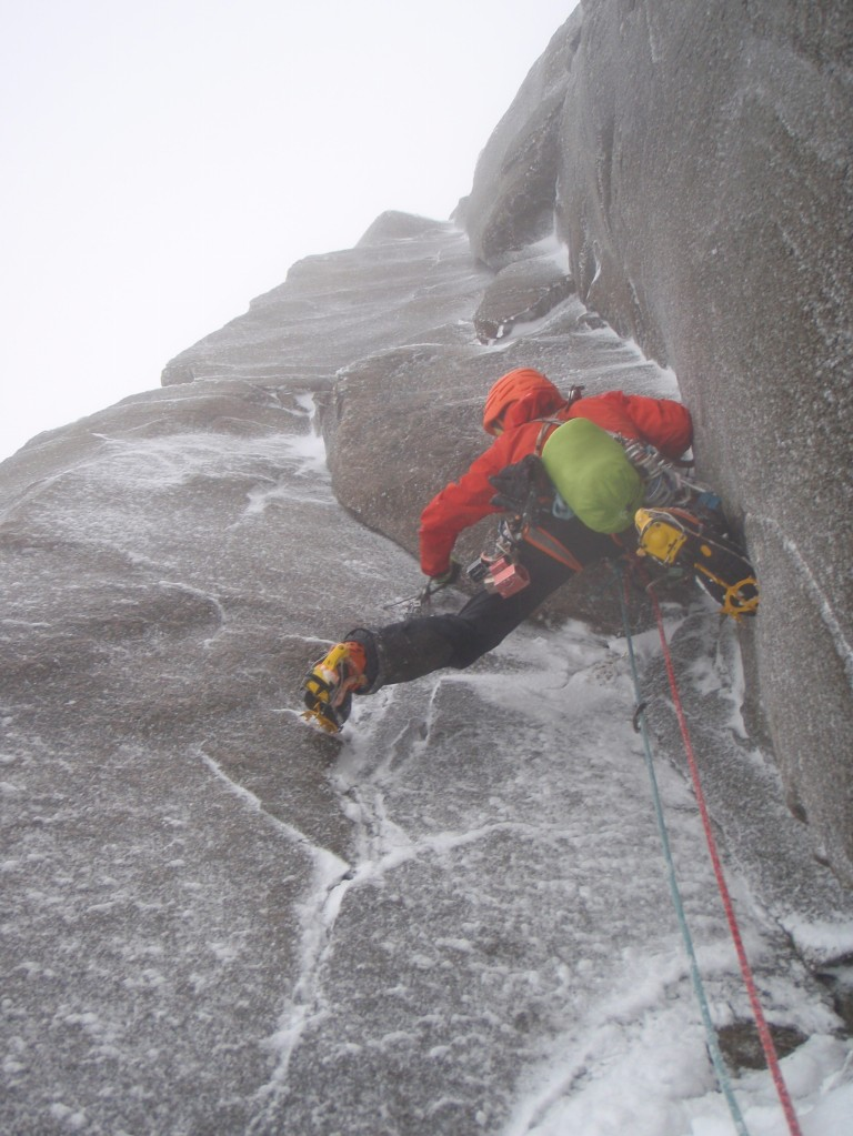 One of the benefits of going leashless. Shouldering a DMM Switch ice tool whilst placing gear on the crux pitch of Soul Vacation VIII 8, just before some burly torquing! The Switch tolls felt super solid here.